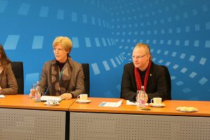 Staatssekretärin Ohler bei der Präsentation